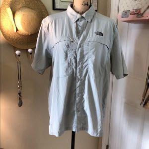 The North Face Men's nylon shirt sz L